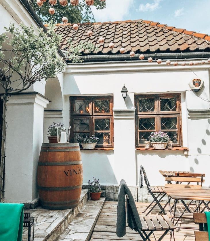 winnice-moldawii-wino-zoliborz-warszawa